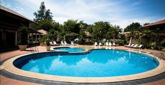 Pangkor Sandy Beach Resort - Pangkor - Pool