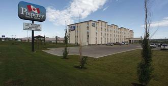 Pomeroy Inn & Suites Hotel Dawson Creek - Dawson Creek
