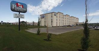 Pomeroy Inn and Suites Dawson Creek - Доусон-Крик