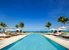Grace Bay Club - Providenciales - Piscina