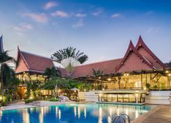 蒂瓦娜芭東温泉度假酒店 - 芭東 - 游泳池