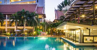 Deevana Patong Resort & Spa (Sha Plus+) - Patong - Pool