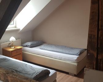 Mantra Gästehaus - Дахау - Bedroom