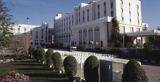 Hotel Al Madinah Holiday - מוסקט