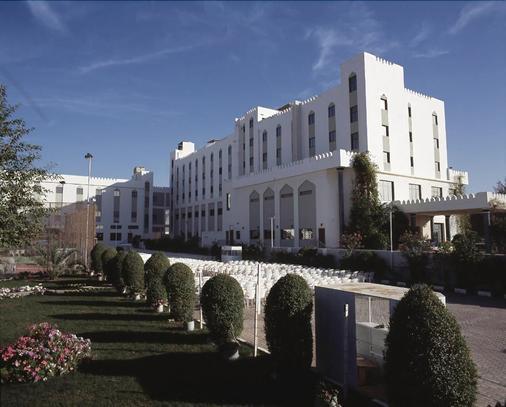 艾爾麥地那假日酒店 - 馬斯喀特 - 馬斯喀特 - 建築