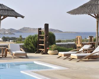 Anemoi Resort - Parikia - Pool