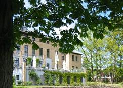 Hotel Gutshaus Redewisch - Boltenhagen - Gebäude