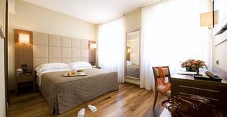 Hotel Fenice Milano - Milano - Soveværelse