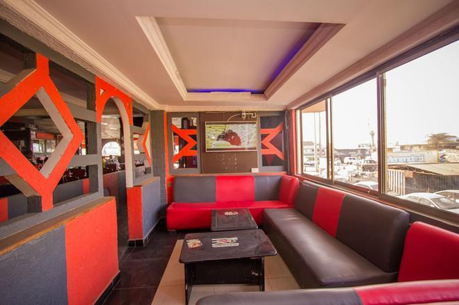 Hotel Nomad - Athi River - Living room