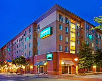 Staybridge Suites Chattanooga Downtown - Convention Center - Chattanooga - Gebäude