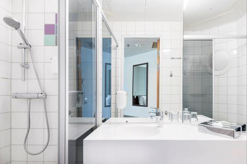Quality Hotel Airport Arlanda - Arlanda - Bathroom