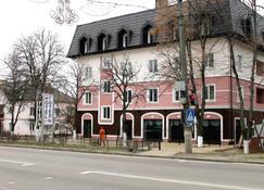 Non-stop hotel - Boryspil' - Bygning
