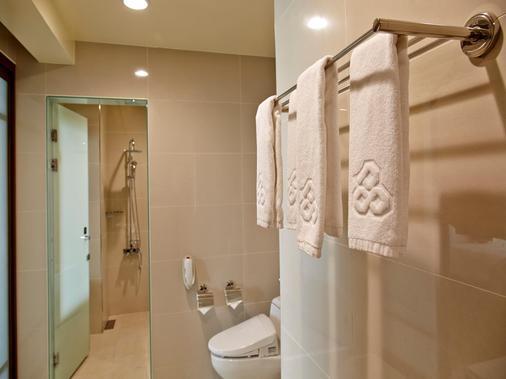 Royal Chiayi Hotel - Chiayi City - Bathroom