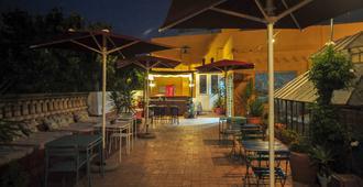 La Flamenka Hostel - Seville - Patio