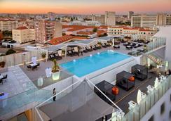 里斯本史詩薩納酒店 - 里斯本 - 里斯本 - 游泳池