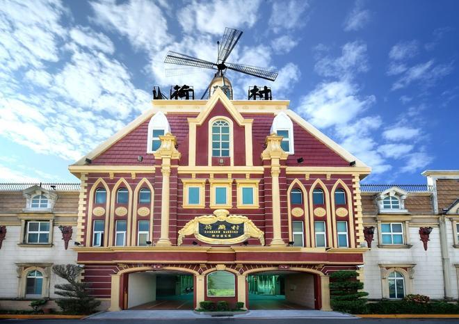 荷蘭村汽車旅館安平館 - 台南 - 建築