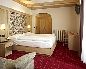 Hotel Garni Minigolf - Ledro - Bedroom