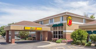Super 8 by Wyndham Madison South - Madison - Building
