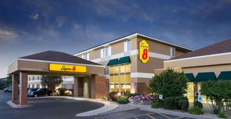 Super 8 by Wyndham Madison South - Madison
