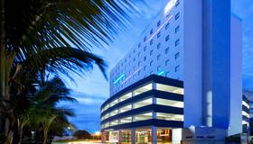 Aloft Cancun - Cancún - Building