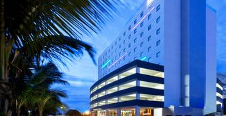 Aloft Cancun - Cancún - Building