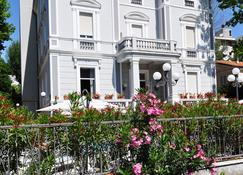 Hotel Esedra - Ріміні