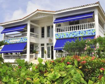 Hosteria Mar y Sol - San Andrés - Building