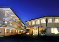 Hotel Cristoforo Colombo - Rome - Building
