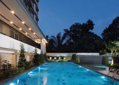 Prime Plaza Hotel Kualanamu Medan - Medan - Pool