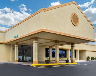 Quality Inn University Area - Troy - Building