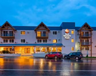 Best Western Plus Edgewater Hotel - Seward - Gebouw