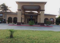 Texas Inn Weslaco - Weslaco - Building