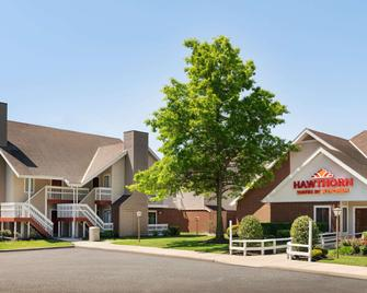Hawthorn Suites by Wyndham Tinton Falls - Tinton Falls - Building