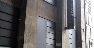 Ih Hotels Milano Ambasciatori - Milan - Building