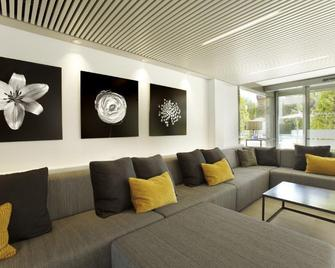 Atenea Park-Suites Apartments - Vilanova i la Geltrú - Huiskamer