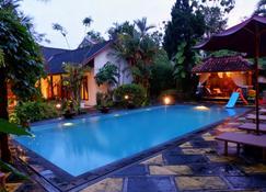 Rumah Mertua Heritage - Yogyakarta - Piscină