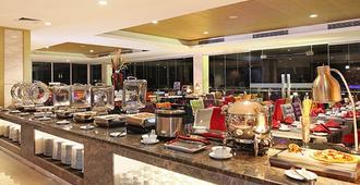 Swiss-Belhotel Makassar - Makassar - Açık büfe