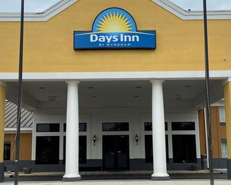 Days Inn by Wyndham Dothan - Dothan - Building