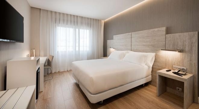 NH Madrid Chamberí - Madrid - Habitación