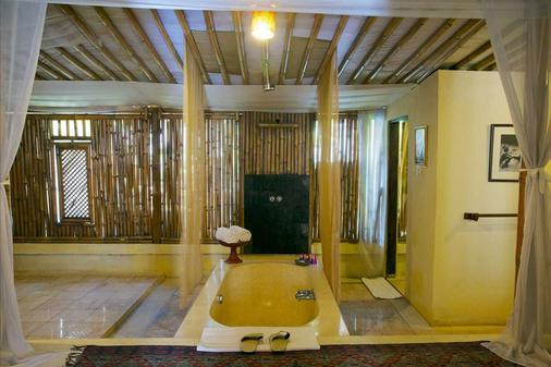 The Mansion Resort Hotel & Spa - Ubud - Bathroom