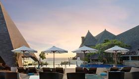 The Kuta Beach Heritage Hotel Bali - Managed by AccorHotels - Kuta - Hàng hiên