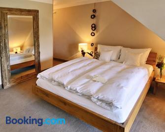Rosendomizil - Malchow - Bedroom