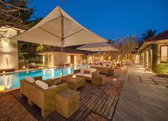 班加羅爾舍瑞亞斯瑜伽渡假屋 - 班加羅爾 - 游泳池