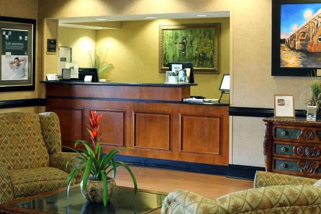 Homewood Suites by Hilton Columbia - Columbia - Front desk