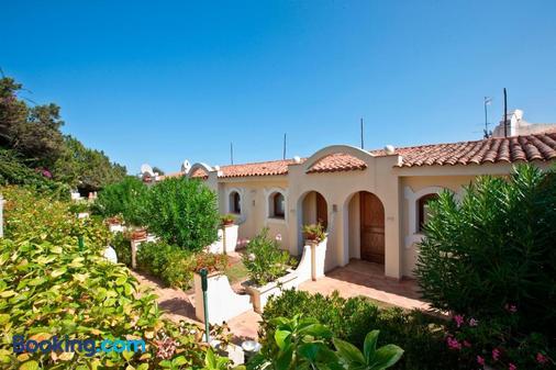 Club Hotel Baja Sardinia - Arzachena - Toà nhà