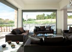Ardeatina Park Hotel - Castel di Leva - Living room