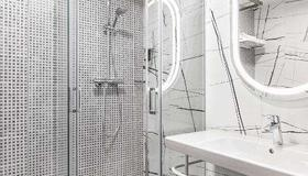 Hotel Kaunas - Kaunas - Bathroom
