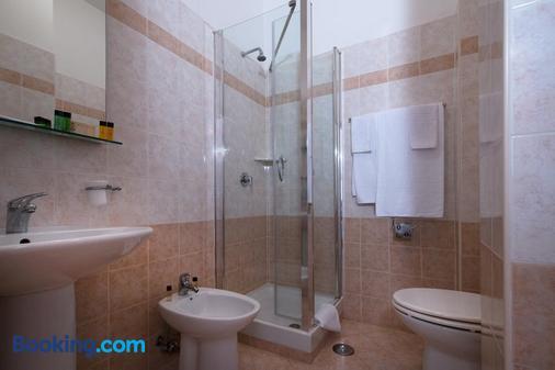 Garden Hotel - Latina - Bathroom
