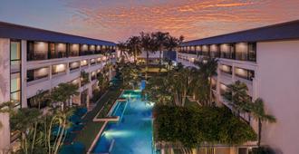 普吉島班泰希爾頓逸林酒店及度假村 - 芭東 - 游泳池