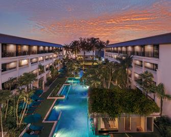 DoubleTree by Hilton Phuket Banthai Resort - Patong - Pool